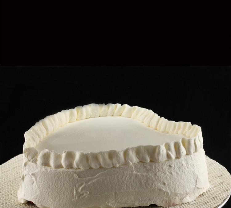 Red Velvet Crème Fraîche Cake