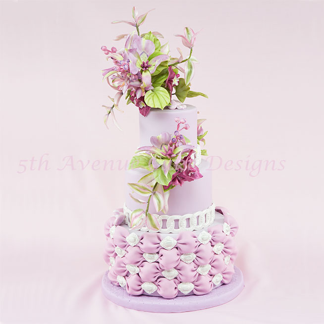 Mariposa Lily Cake Spray