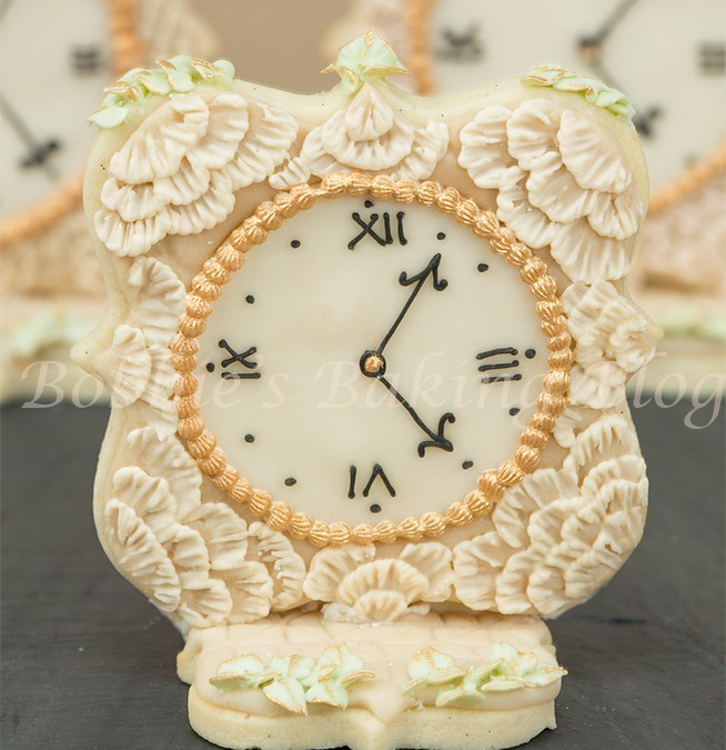 Antique Lace Royal Icing Brush Embroidery Clock Video