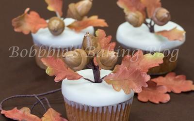 Beautiful Autumn Leaves with Acorn Oak Tree Tutorial
