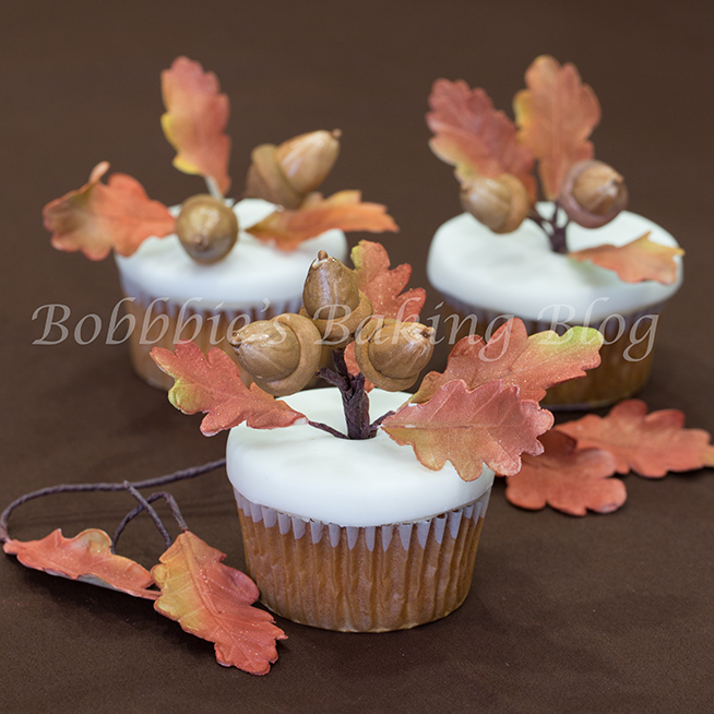 How to make gumpaste oak leaves