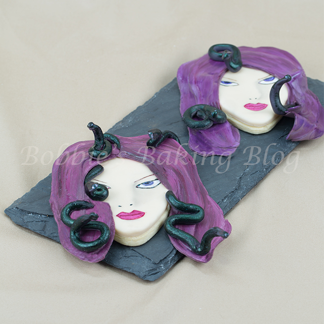 Hand painted fondant face tutorial video