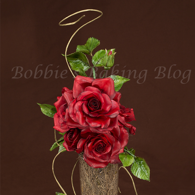 learning the secret to gumpaste roses