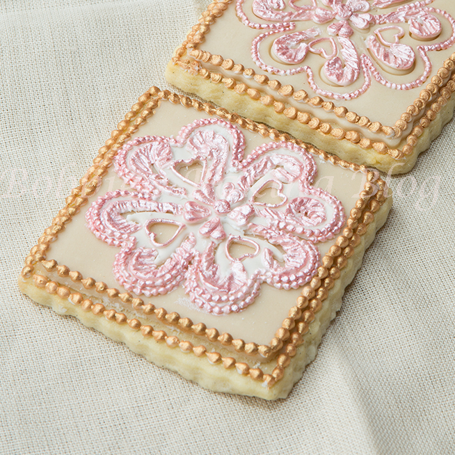 how to pipe royal icing broderie anglaise video-tutorial