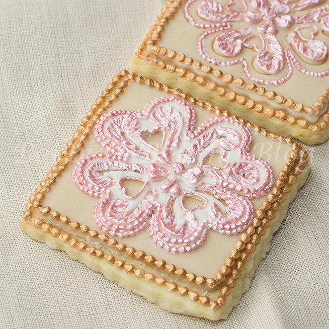 Learn Broderie Anglaise Eyelet Lace Royal Icing on Sugar Cookie Video