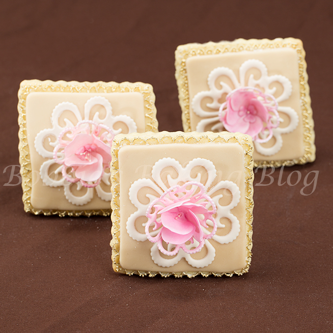 learn how pipe royal icing lace