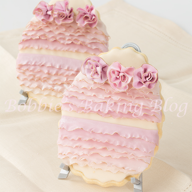 how make royal icing and fondant frills