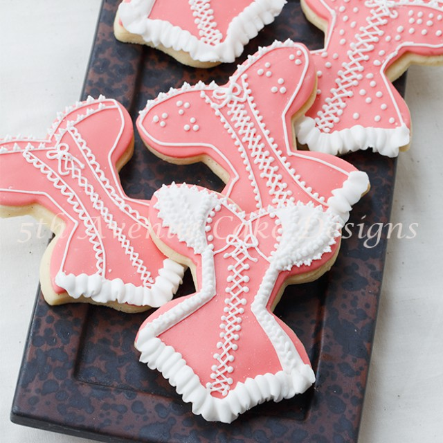 learn royal icing piping skills and technique