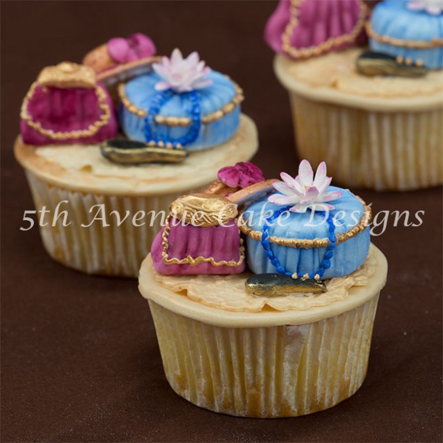 learn how to make victorian inspired fashion cupcakes for a wedding