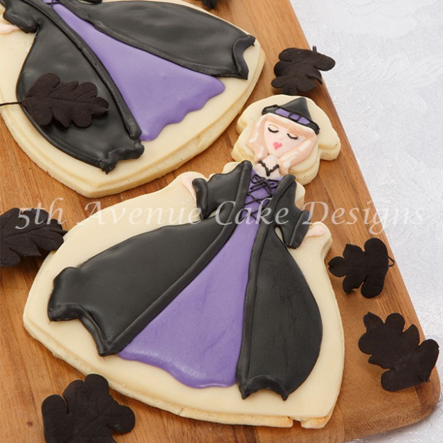 """""""Bewitched inspired Halloween sugar cookie"""