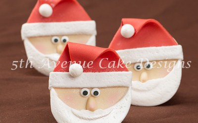 How to Sculpt Santa Claus Cupcakes