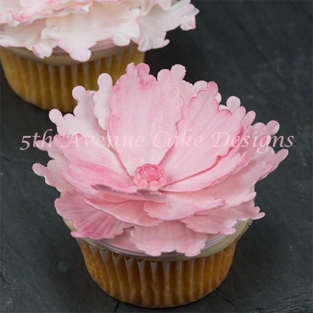 Flower passte peony cupcake by Bobbie Noto