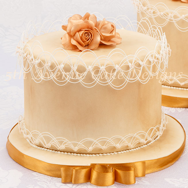 String-work cake by Bobbie Noto
