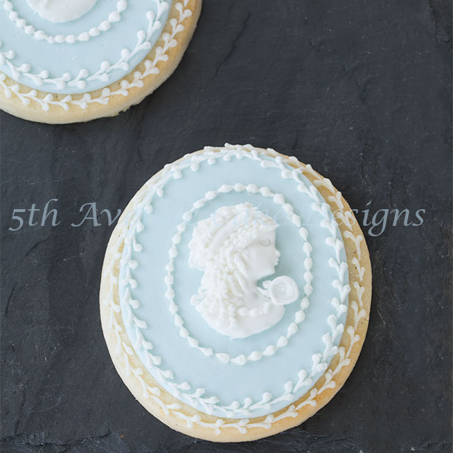 Wedding cameo cookies by Bobbie Noto