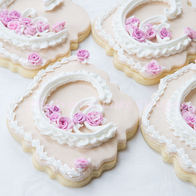 Lambeth Method royal icing