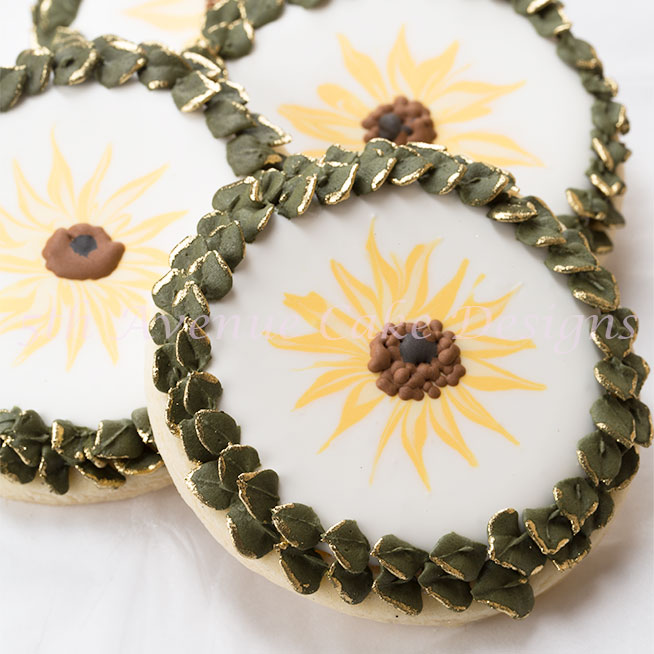 How to Decorate Wet on Wet Sunflower Cookies with Royal Icing