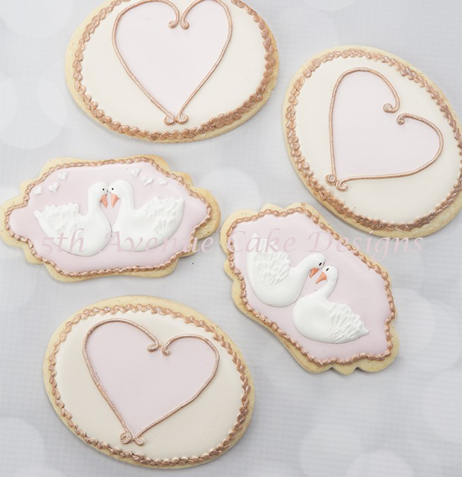 How to Decorate Love Swans and Elegant Heart Cookies