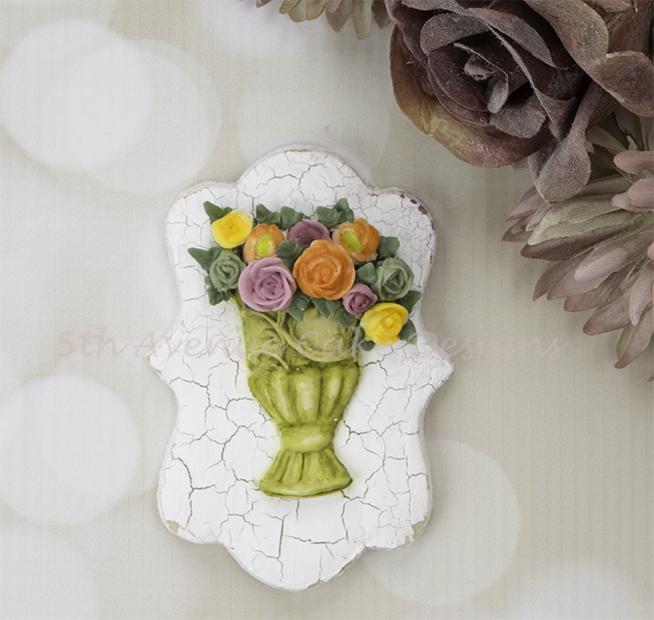 Vintage Dimensional Floral Vase Cookie